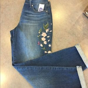 Jeans  Distressed Denim Embroidery Size 10 30x30